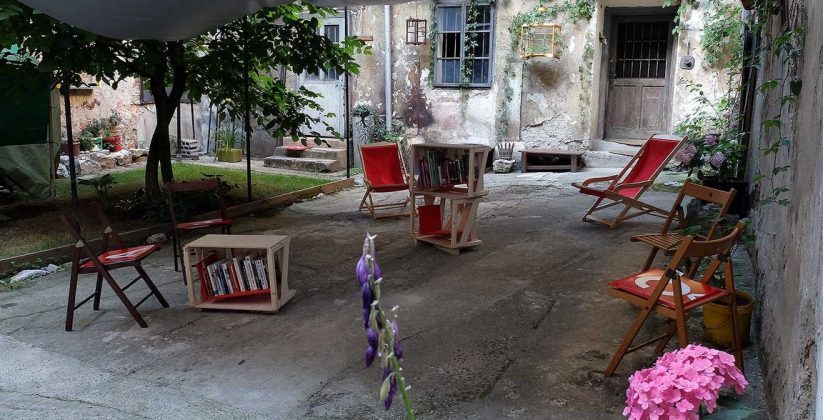 Knjižnica pod krošnjami v Galeriji Škuc - 24.5.19.