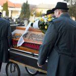 Koliko stane pogreb: najcenejši je raztros pepela, najdražji pa diamant